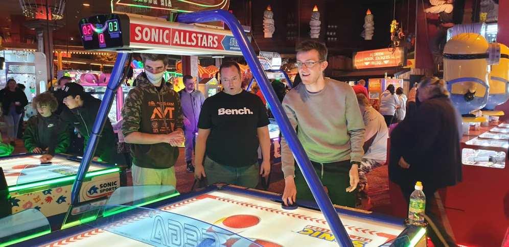 Blackpool 2021: Cal and Andy admire Bra's air hockey skills